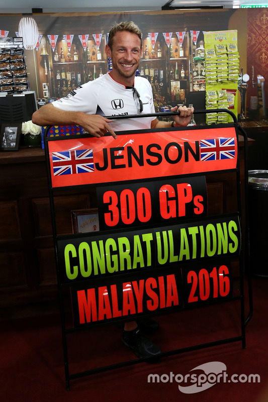 Jenson Button, McLaren Honda celebrates 300 GP