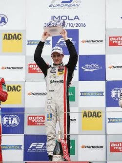 Rookie Podium: Sieger Joel Eriksson, Motopark, Dallara F312, Volkswagen