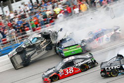 Crash mit Kevin Harvick, Ricky Stenhouse Jr., A.J. Allmendinger und Cole Whitt