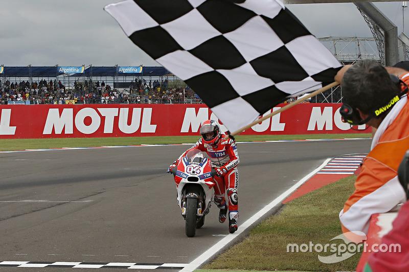 7. Андреа Довіціозо, Ducati. 5-те місце у турнірній таблиці, 171 очко, одна перемога.
