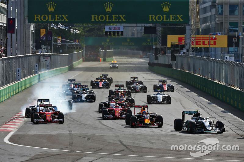 Nico Rosberg, Mercedes AMG F1 W07 Hybrid lídera al inicio