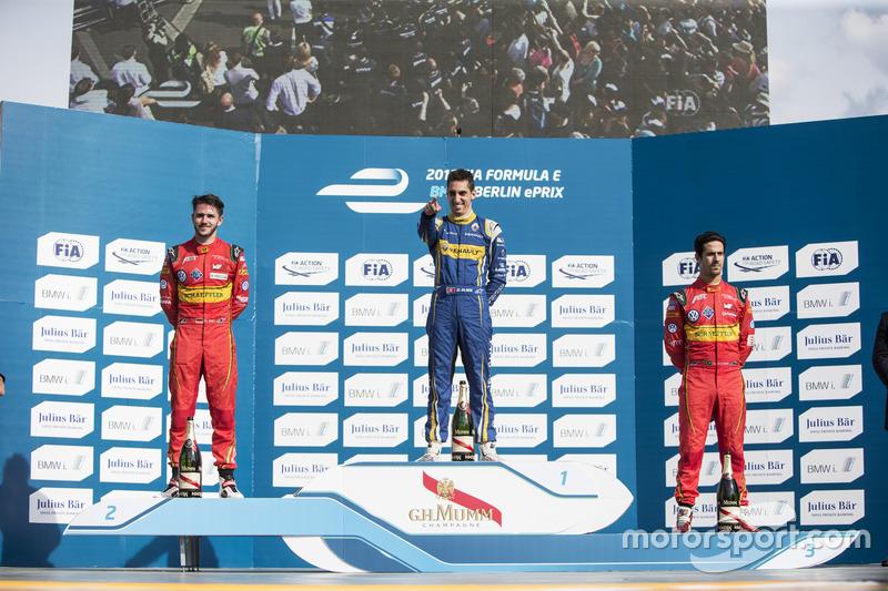 Podio: ganador de la carrera Sébastien Buemi, Renault e.Dams, segundo lugar Daniel Abt, ABT Schaeffler Audi Sport, tercer lugar Lucas di Grassi, ABT Schaeffler Audi Sport
