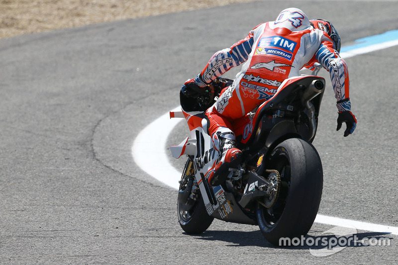 Andrea Dovizioso, Ducati Team breaks down