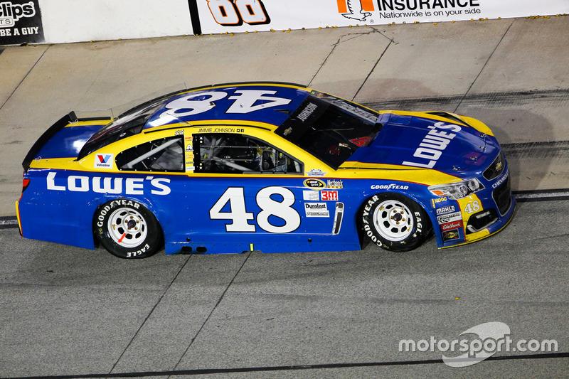Jimmie Johnson, Hendrick Motorsports Chevrolet, crashed car