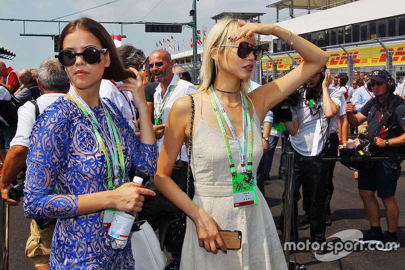 Loevely girls on the grid