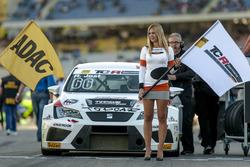 Gridgirl von Ronny Jost, TOPCAR Sport, SEAT Leon TCR