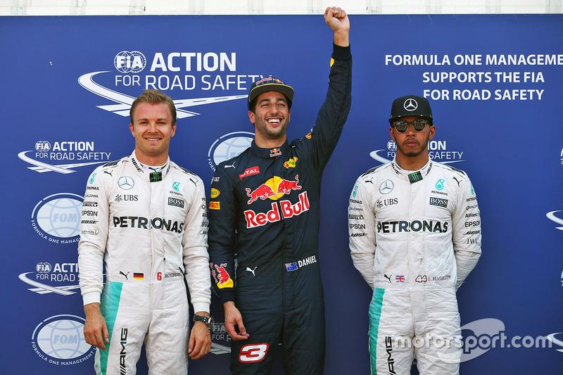 Polesitter Daniel Ricciardo, Red Bull Racing, 2. Nico Rosberg, Mercedes AMG F1 Team, 3. Lewis Hamilton, Mercedes AMG F1 Team