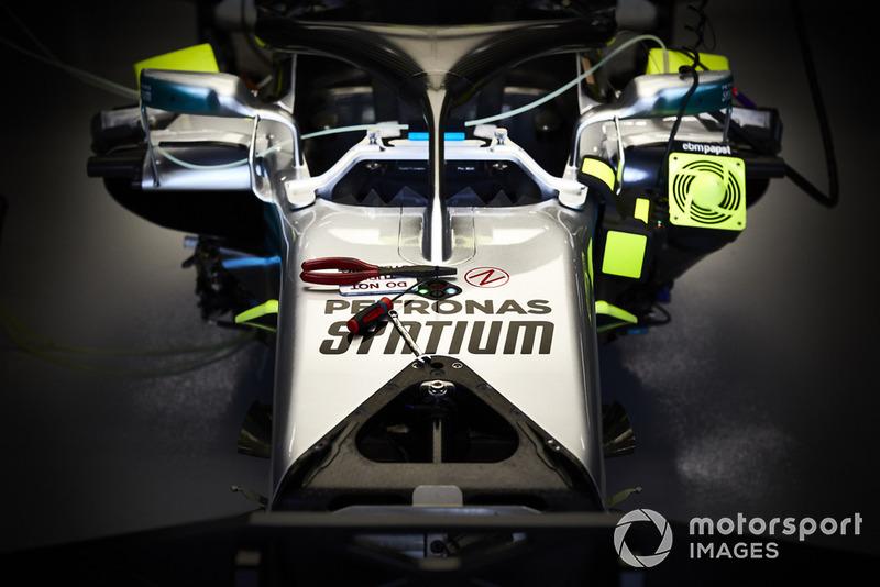 Mercedes AMG F1 W09, cockpit detail