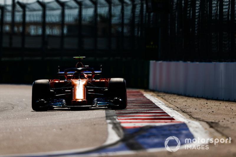 15. Stoffel Vandoorne, McLaren MCL33*