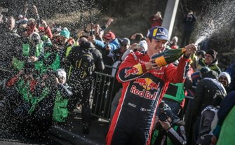Podium: winnaars Sébastien Ogier, Citroën World Rally Team Citroen C3 WRC