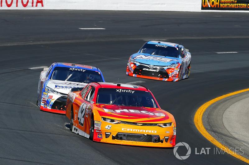 Kyle Larson, Chip Ganassi Racing Chevrolet and Ryan Preece, Joe Gibbs Racing Toyota