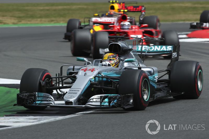 Льюіс Хемілтон, Mercedes AMG F1 W08, Кімі Райкконен, Ferrari SF70H
