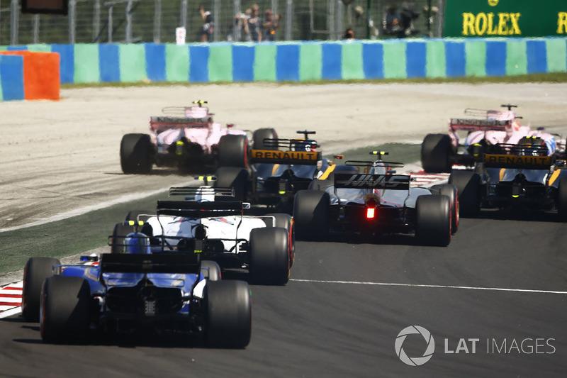 Esteban Ocon, Sahara Force India F1 VJM10, se sigue con la batalla con Sergio Pérez, Sahara Force In