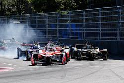 Arrancada: Felix Rosenqvist, Mahindra Racing líder