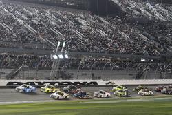 Restart: Johnny Sauter, GMS Racing Chevrolet leads