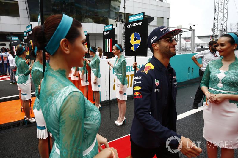 Даніель Ріккардо, Red Bull Racing, та грід-гьорлз