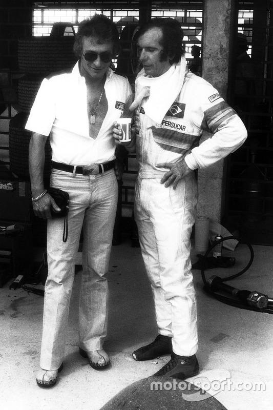 Gerard Ducarouge, designer chez Ligier, discute avec Emerson Fittipaldi, Copersucar F5A-Ford