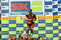 Podium: Race winner Noriyuki Haga, Yamaha