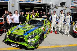 Team photo #16 SPS automotive performance Mercedes AMG GT3: Valentin Pierburg, Tim Müller, Lance-David Arnold, Tom Onslow-Cole