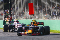 Max Verstappen, Red Bull Racing RB13, leads Esteban Ocon, Force India VJM10