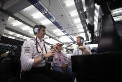 Toto Wolff, Mercedes, Motorsportchef; Niki Lauda, Mercedes AMG F1, Aufsichtsratsvorsitzender