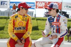 Joey Logano, Team Penske, Ford; Ryan Blaney, Wood Brothers Racing, Ford