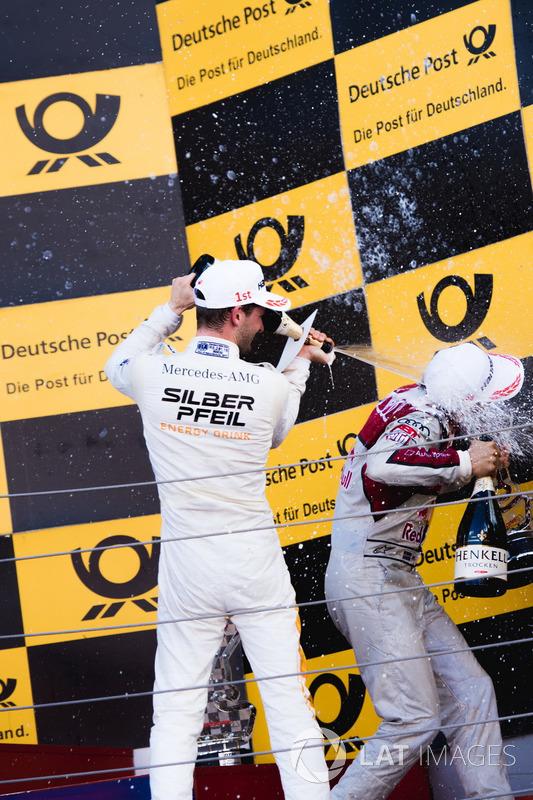 Подіум: Маро Енгель, Mercedes-AMG Team HWA, Mercedes-AMG C63 DTM, та Маттіас Екстрьом, Audi Sport Team Abt Sportsline, Audi A5 DTM