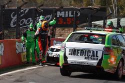Unfall: Tim Slade, Brad Jones Racing Holden