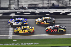 Chase Elliott, Hendrick Motorsports Chevrolet Camaro, Michael McDowell, Front Row Motorsports Ford Fusion, Clint Bowyer, Stewart-Haas Racing, Rush Truck Centers/Mobil 1 Ford, Martin Truex Jr., Furniture Row Racing Toyota