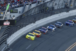 Ryan Blaney, Team Penske Ford Fusion and Joey Logano, Team Penske Ford Fusion Sunoco
