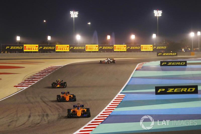 Fernando Alonso, McLaren MCL33 Renault, Stoffel Vandoorne, McLaren MCL33 Renault, and Max Verstappen, Red Bull Racing RB14 Tag Heuer