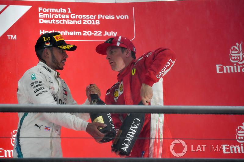 Льюіс Хемілтон, Mercedes-AMG F1 та Кімі Райкконен, Ferrari