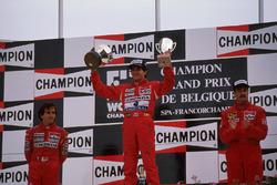 Podio: il vincitore della gara Ayrton Senna, il secondo classificato Alain Prost, il terzo classificato Nigel Mansell
