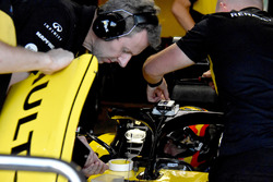 Carlos Sainz Jr., Renault Sport F1 Team R.S. 18 with GPS