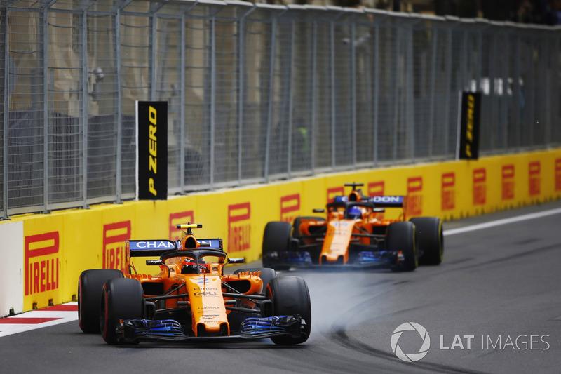 Stoffel Vandoorne, McLaren MCL33 Renault, Fernando Alonso, McLaren MCL33 Renault