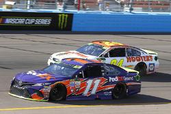 Denny Hamlin, Joe Gibbs Racing Toyota, Chase Elliott, Hendrick Motorsports Chevrolet