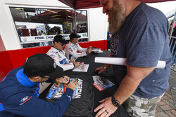 #66 Chip Ganassi Racing Ford GT, GTLM: Dirk Müller, Joey Hand, Sébastien Bourdais autograph session