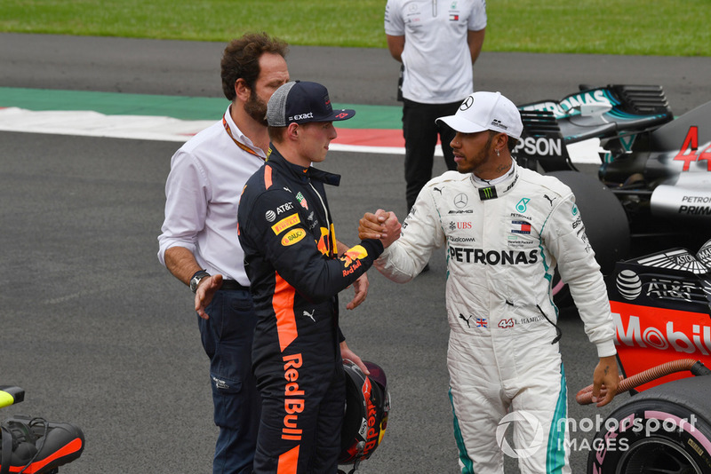 Max Verstappen, Red Bull Racing ve Lewis Hamilton, Mercedes AMG F1, Parc Ferme
