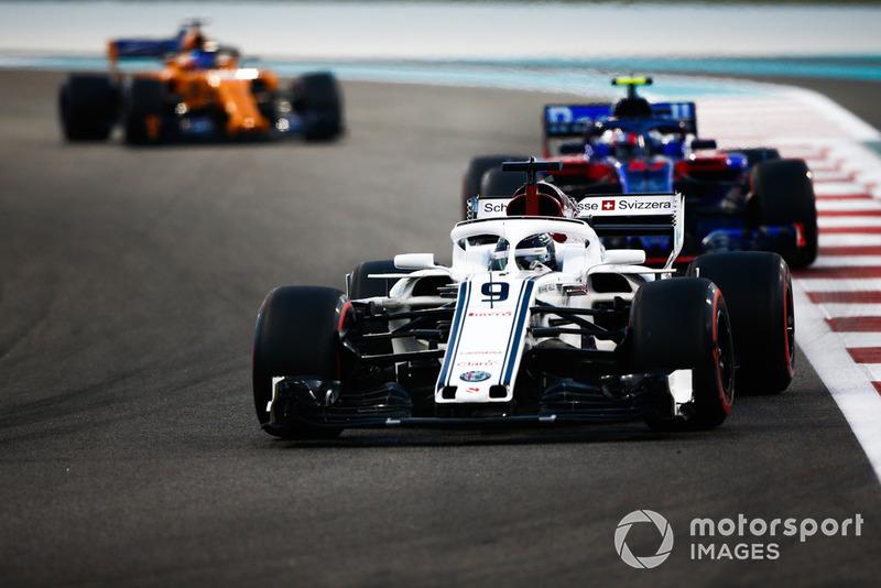 Маркус Ерікссон, Sauber C37, П'єр Гаслі, Scuderia Toro Rosso STR13, Фернандо Алонсо, McLaren MCL33