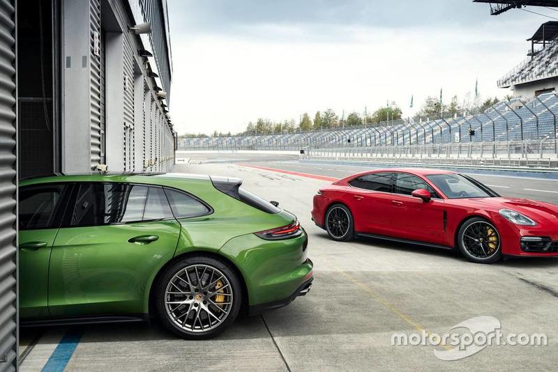 Porsche Panamera GTS 2019 року