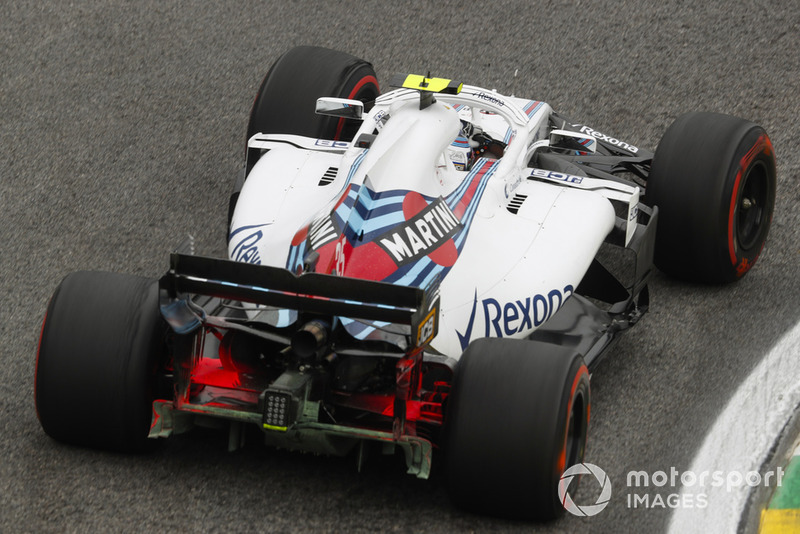Williams FW41 на тренировке Гран При Бразилии