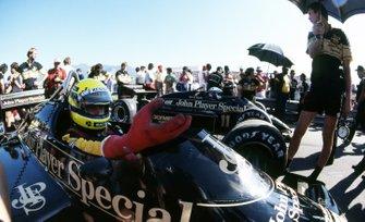Ayrton Senna, Lotus 97T; Elio de Angelis, Lotus 97T