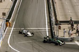 Michele Alboreto, Tyrrell 011 Ford, 1° classificato, davanti a Keke Rosberg, Williams FW08C Ford, 2° classificato