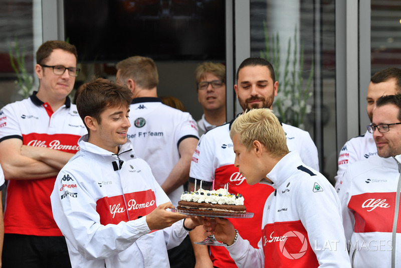 Sauber birthday celebrations for Marcus Ericsson, Sauber with Charles Leclerc, Sauber