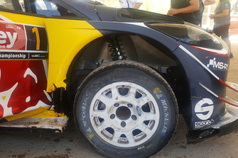 Vue de la suspension de Sébastien Ogier, Julien Ingrassia, M-Sport Ford WRT Ford Fiesta WRC