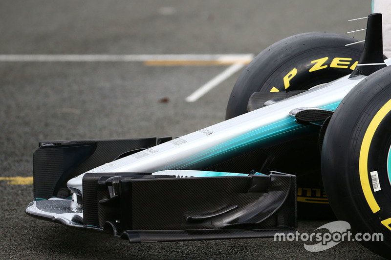 Mercedes AMG F1 W08, переднее антикрыло