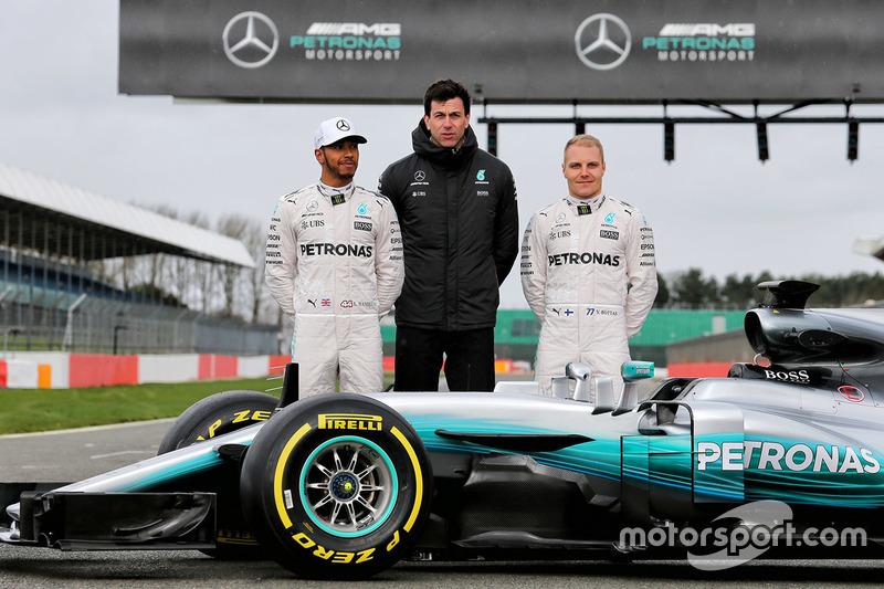 Lewis Hamilton, Mercedes AMG F1, Valtteri Bottas, Mercedes AMG F1, Toto Wolff, Mercedes AMG F1 Shareholder and Executive Director