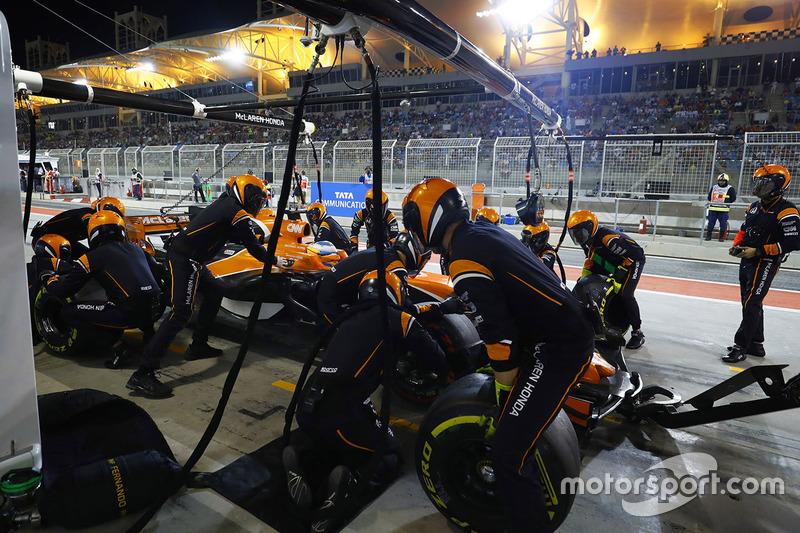 15 місце — Фернандо Алонсо, McLaren. Умовний бал — 7,569