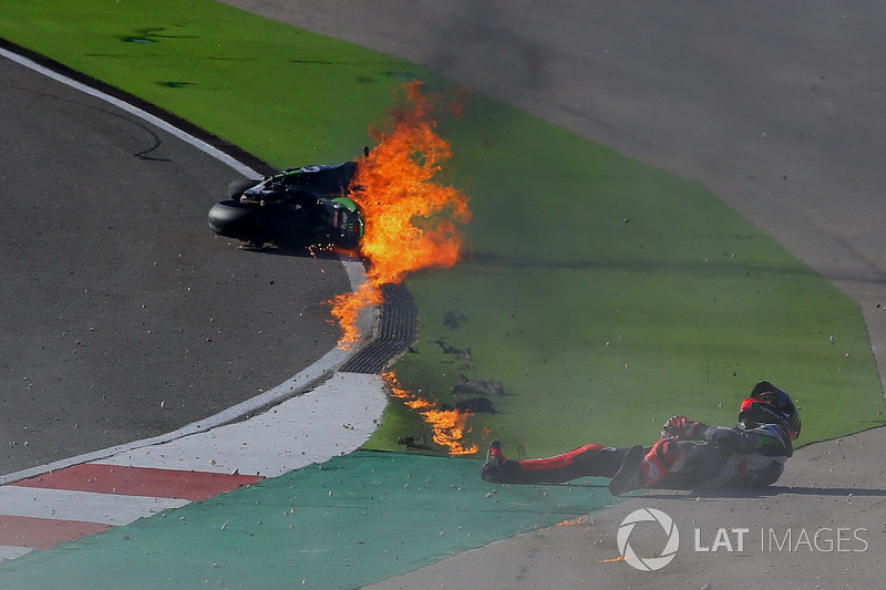 2. Crash, Tom Sykes, Kawasaki Racing