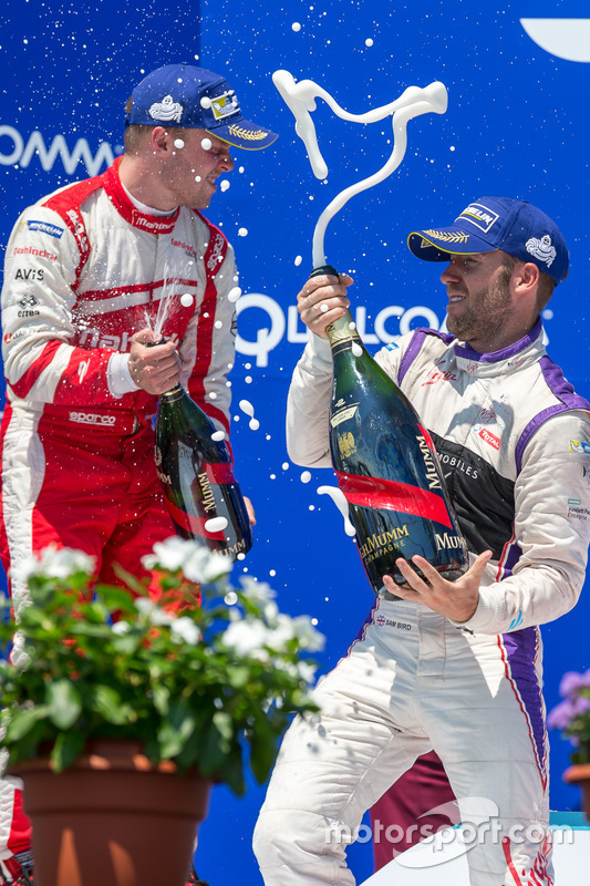 Podio: ganador Sam Bird, DS Virgin Racing, segundo lugar Felix Rosenqvist, Mahindra Racing